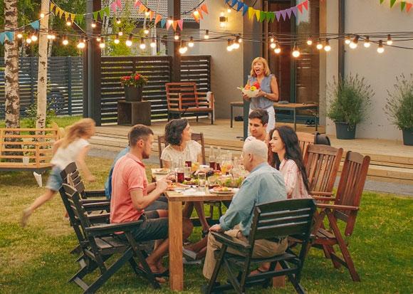 Les indispensables pour recevoir ses amis dans le jardin